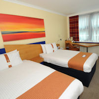 Old Trafford Hotels - Holiday Inn Express Manchester Salford Quays