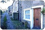 Book Beehive Cottage, Glossop