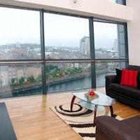 Old Trafford Hotels - Quay Apartments Salford Quays