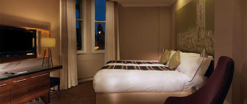 hotels near the palace theatre manchester. Black Bedroom Furniture Sets. Home Design Ideas